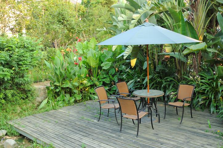 Cómo elegir el mejor toldo para tu jardín