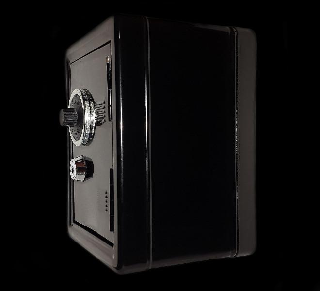 Cómo abrir una caja fuerte con taladro