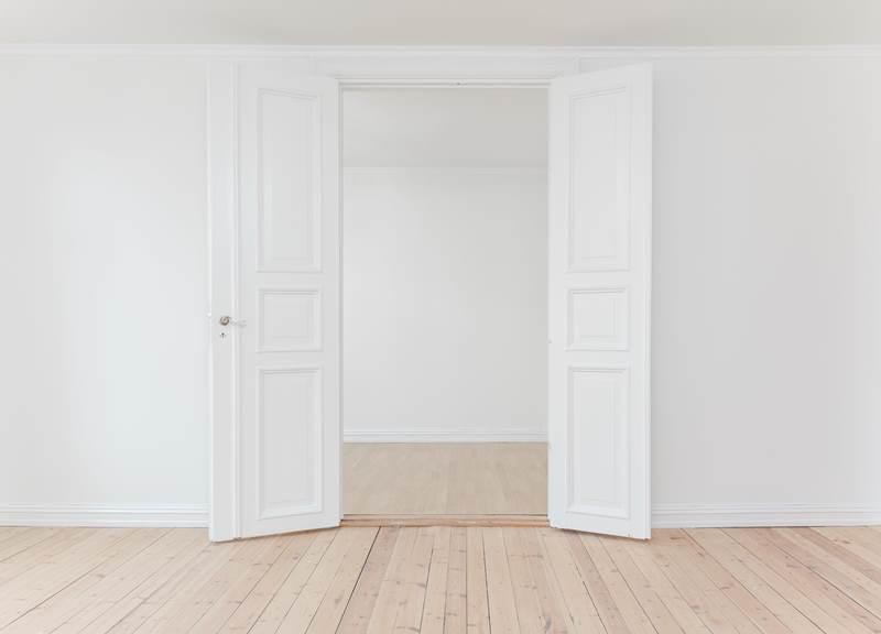 ¿Estás pensando en cambiar las puertas de tu casa o negocio?