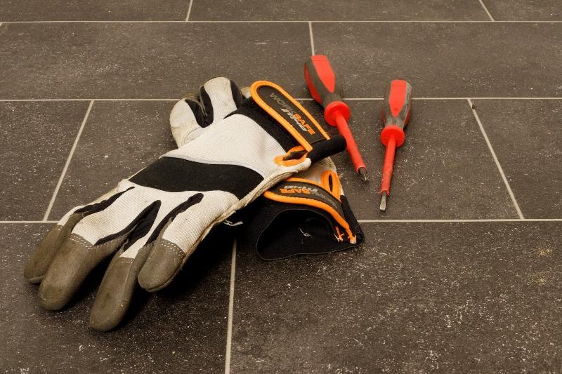 ¿Por qué es importante usar guantes de seguridad?