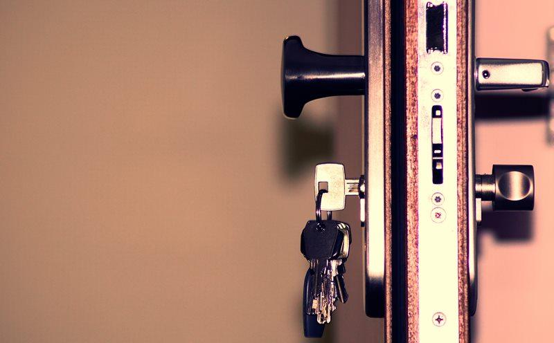 Protege tu trastero con una puerta de seguridad